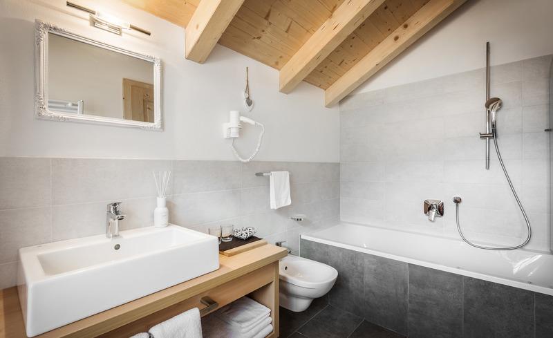 Alle Chalets verfügen über einzigartige Badezimmer