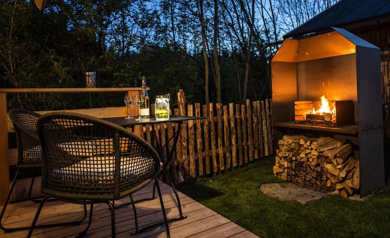Der Gartenbereich des Chalets lädt ein zu gemütlichen Abenden in Ihrem Sommerurlaub