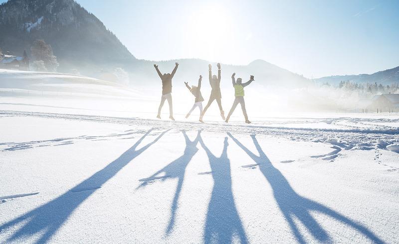 winterwanderung-familie