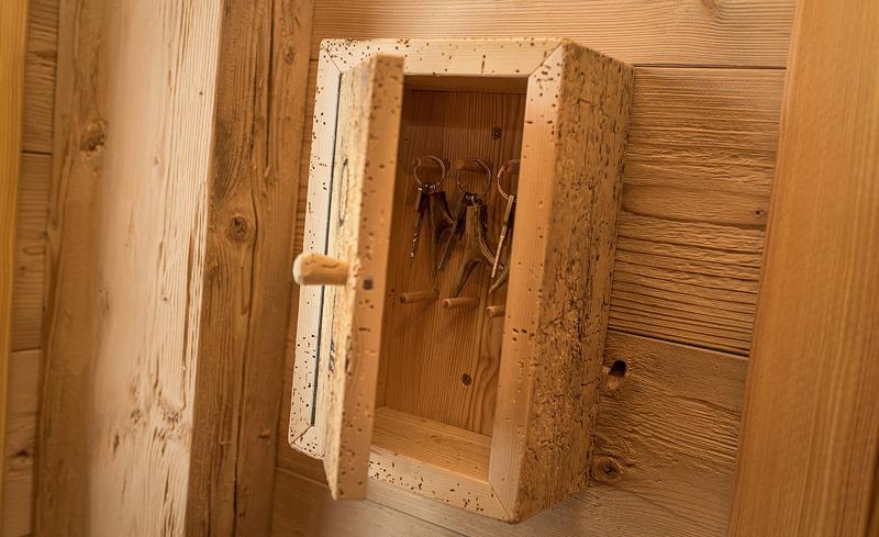 Schlüsselkästchen aus Holz - liebevoll gestaltete Dekoelemente in der Prenner Alm