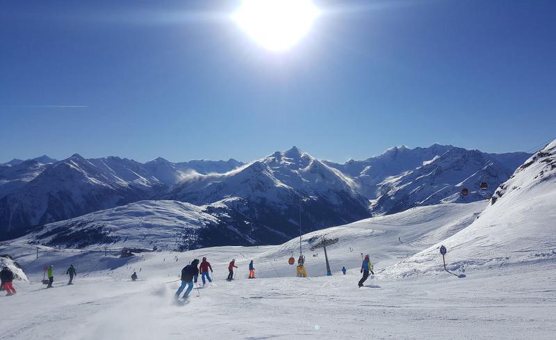 Erleben Sie Skivergnügen vom Feinsten in der Zillertal Arena