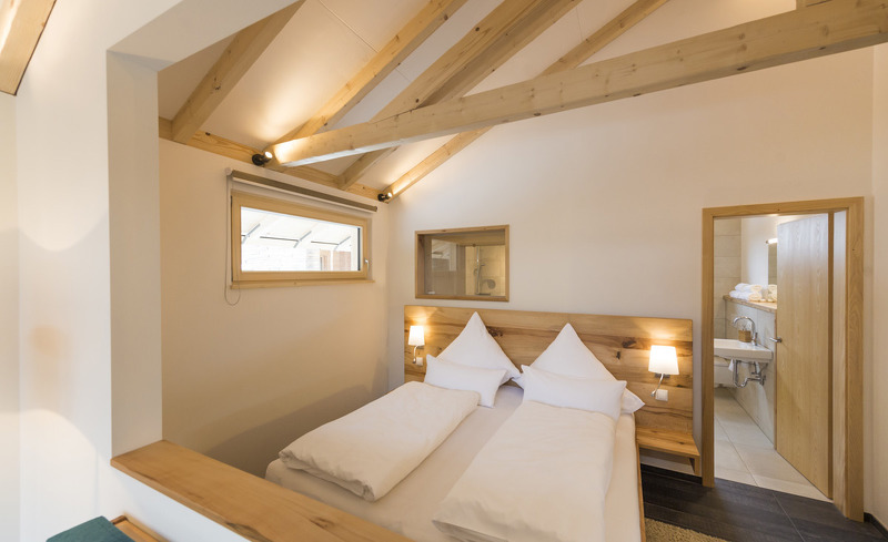 In den Forstgut Chalets im Naturpark Bayerischer Wald finden Sie einen komfortablen Schlafbereich