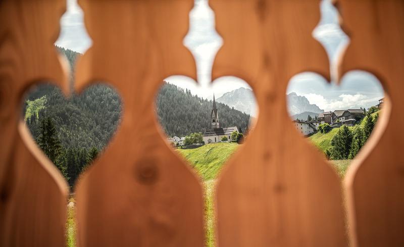 Balkon Aussicht auf St. Martin in Thurn
