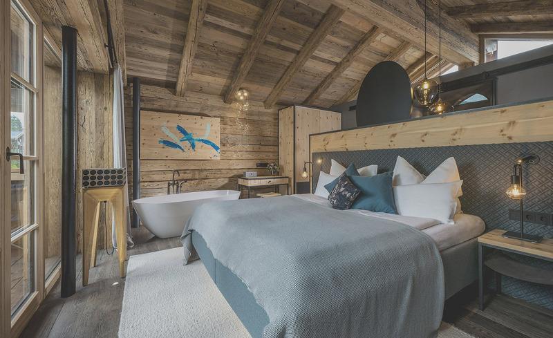 senhoog-gipfelkreuzliebe-schlafzimmer-badewanne