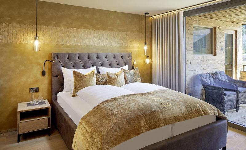 Wohlfühlen in den modernen Zimmern des Luxus Chalets Salena im Gsieser Tal