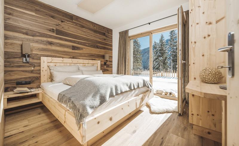 Tiroler Flair und Gemütlichkeit erstrecken sich über das gesamte Chalet- rosuites Zillertal, Tirol