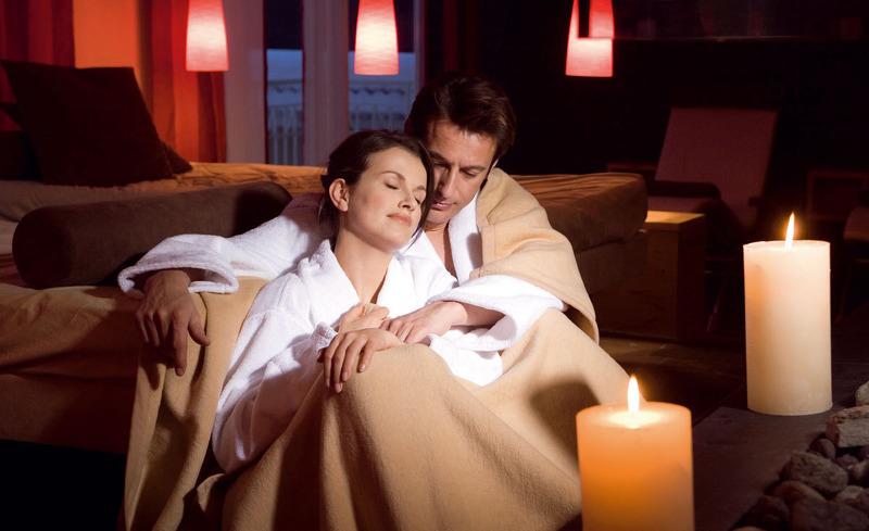 Verbringen Sie kuschelige Stunden zu zweit- Romantikurlaub im Hotel Almesberger