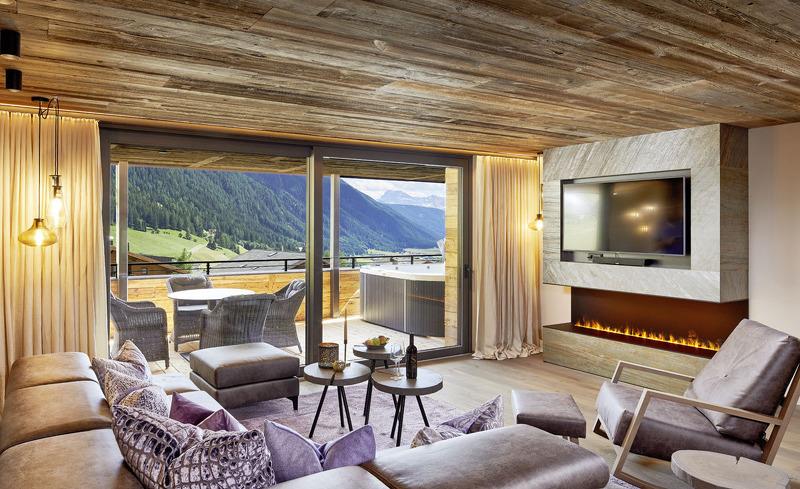 Das gemütliche Ambiente der Luxus Chalets Salena lädt zum Entspannen ein