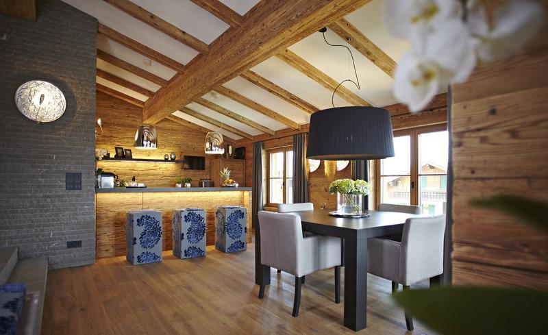 Im Chalet F im Allgäu finden Sie ein exklusives Interieur für Ihren Luxus-Hüttenurlaub