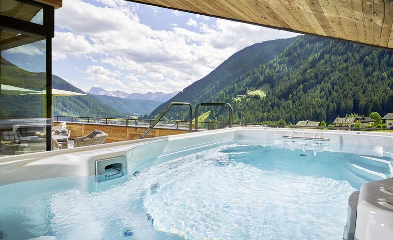 Sommerurlaub mit atemberaubenden Ausblick auf die Südtiroler Bergwelt im Gsieser Tal