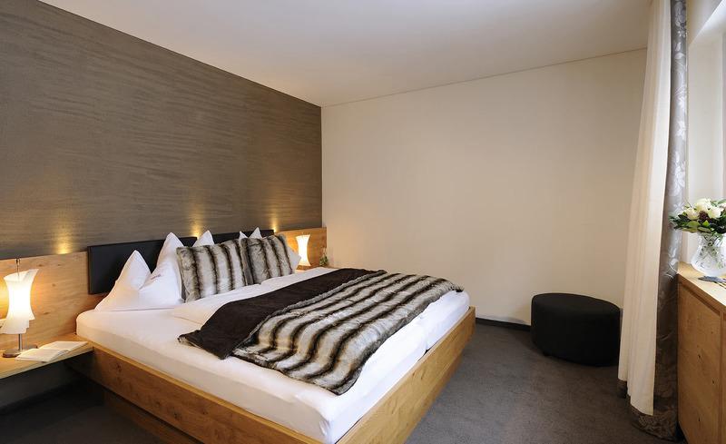 Komfortzimmer für traumhafte Nächte im Hotel Verwall- Romantischer Urlaub zu zweit