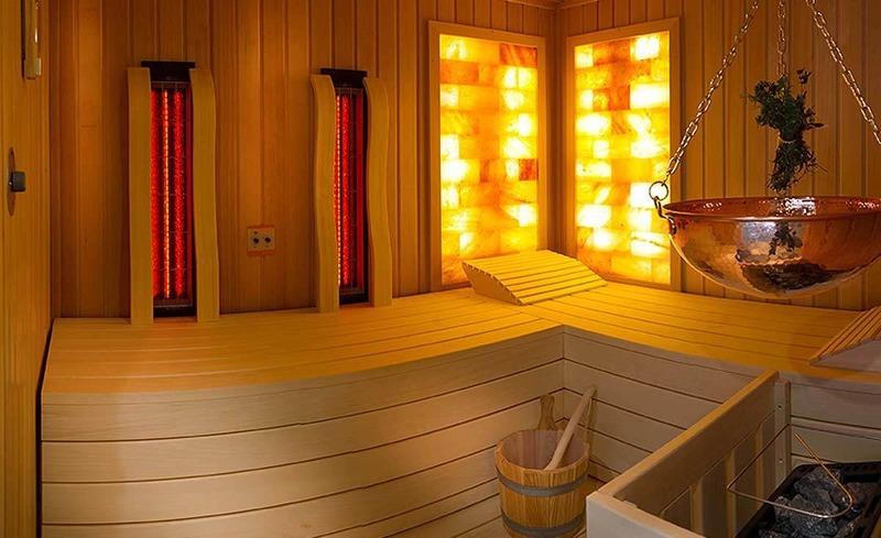 Gönnen Sie sich eine Auszeit in der eigenen Salzstein-Sauna in Ihrem Lehenriedl Chalet