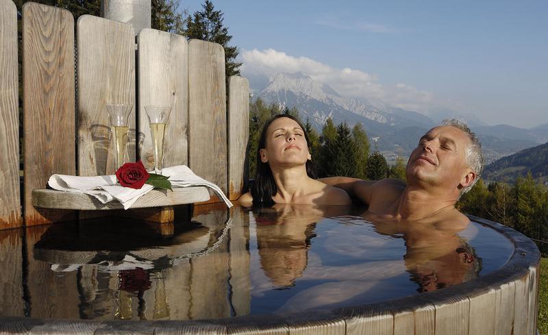 Romantik und Wellness- ein traumhafter Urlaub erwartet Sie im Bergdorf Priesteregg