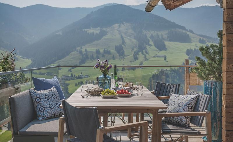 senhoog-gipfelkreuzliebe-fruehstueck-balkon