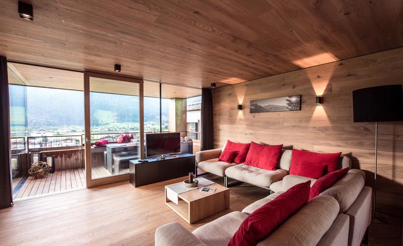 Der komfortable Wohnbereich des Ferienhauses Smaragdjuwel lädt zum Verweilen ein