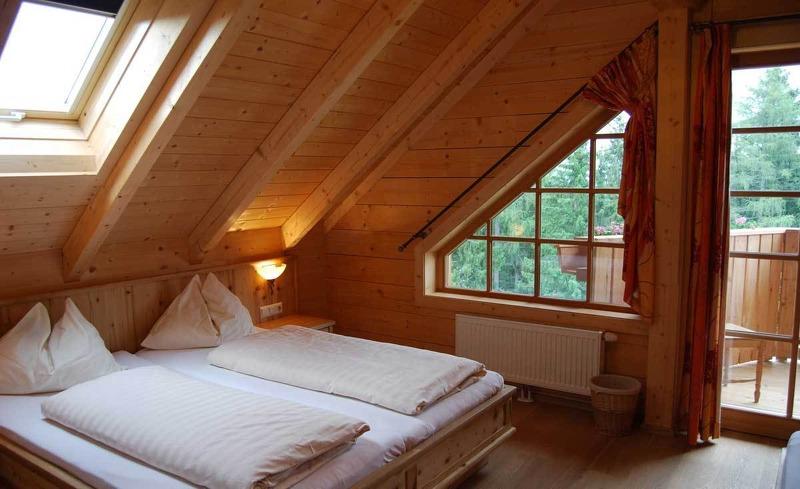 Komfortables Schlafzimmer im Hotel Edelweiss in Schladming