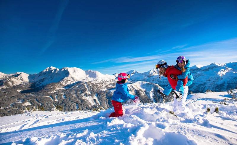 Skifahren mit der ganzen Familie - Skirurlaub im Hotel Alpendorf