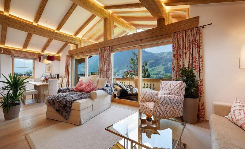 Erleben Sie einen Deluxe-Winterurlaub in den Tennerhof Luxury Chalets in der Gamsstadt Kitzbühel