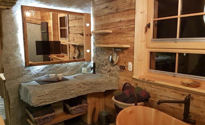 Viel Ausstattung und Komfort in den einzigartigen Badezimmern der Chalets Moll