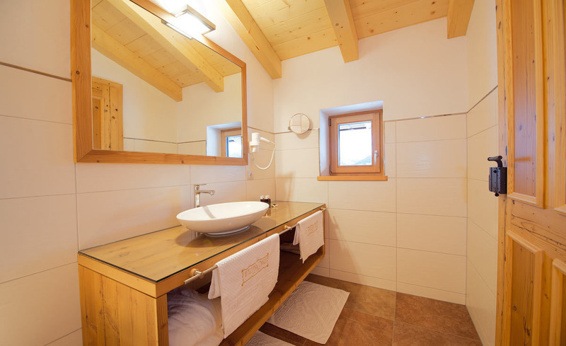 Luxuriöes Badezimmer in der Wallegg-Lodge in Saalbach-Hinterglemm