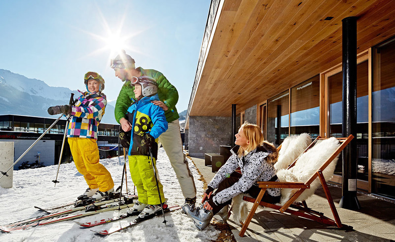 Skiurlaub mit der Familie direkt an der Skipiste im Smaragdjuwel