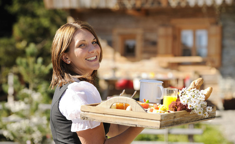 Kulinarik auf der Alm- Bergdorf Priesteregg in Leogang