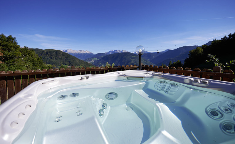 Whirlpool in Panoramalage in Ihrem Chaleturlaub in Südtirol