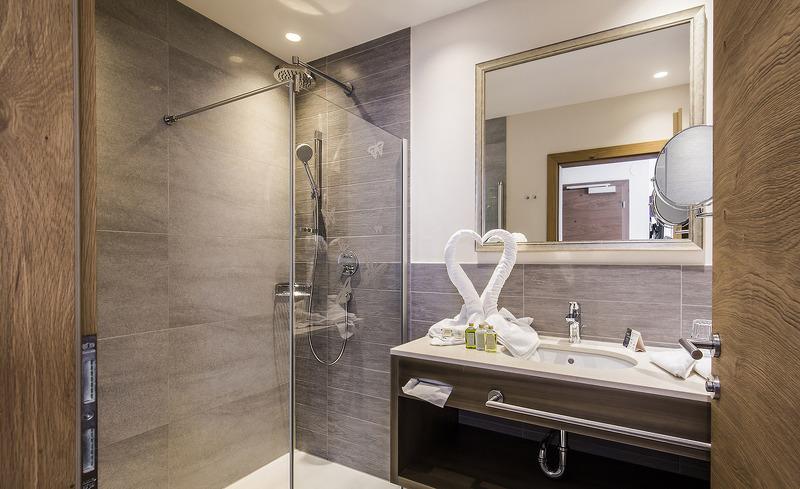 Liebevoll eingerichtetes Badezimmer