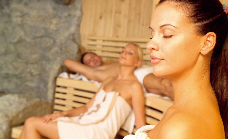 Lassen Sie die Seele baumeln im hoteleigenen Wellnessbereich
