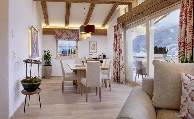 Luxuriöser Chaleturlaub in Kitzbühel, Tirol in den Tennerhof Luxury Chalets