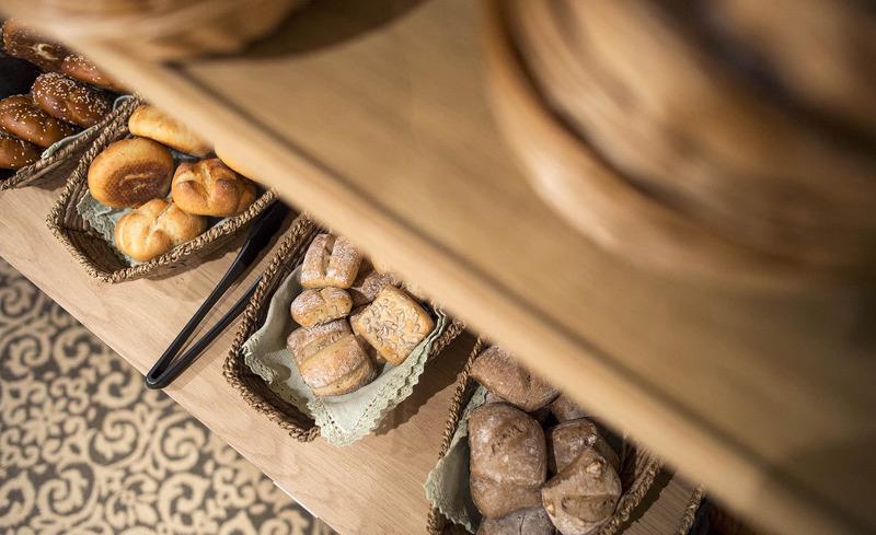 Das Hotel Verwall legt Wert auf die Verwendung von regionalen Produkten bei der Zubereitung Ihrer Mahlzeiten- Genussurlaub in Tirol