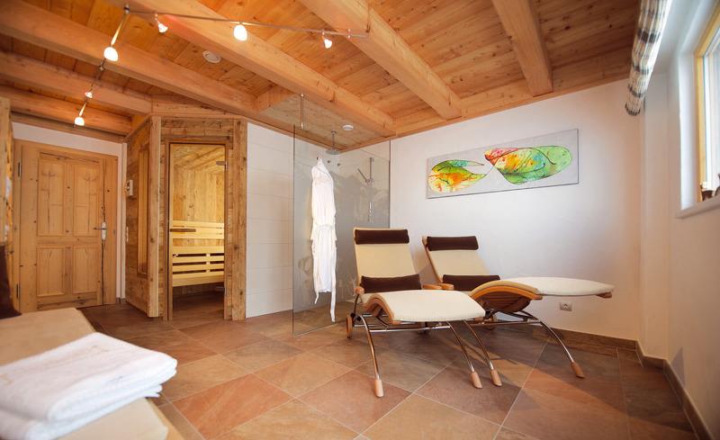 Entspannte Auszeit für Körper und Geist im Ruheraum der Wallegg Lodge in Hinterglemm