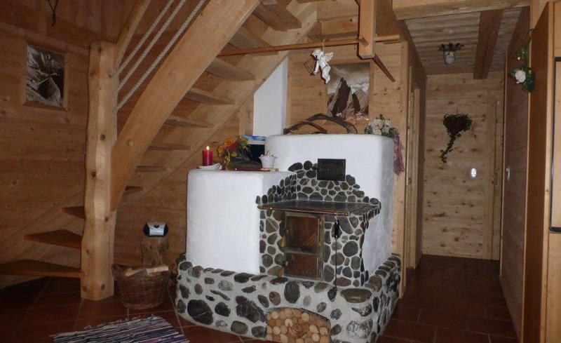 Romantischer Kamin im gemütlichen Chalet Moll
