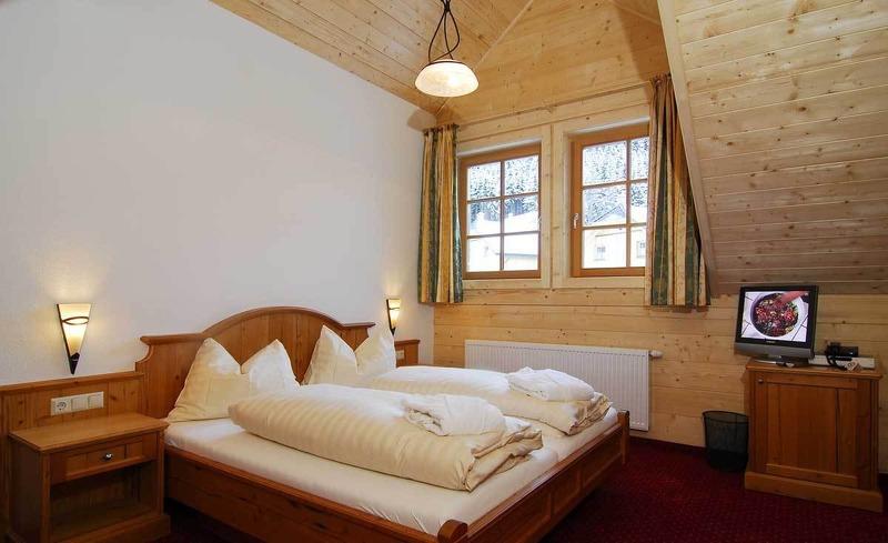 Viel Komfort und Design im Glockenblumen Zimmer im Almhotel Edelweiss
