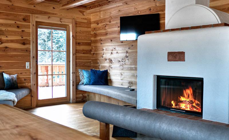 Kaminfeuer sorgt für gemütliche Atmosphäre im CHALET4YOU in der Skiregion Schladming