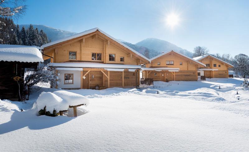 Genießen Sie die Sonnenstunden im Winter in den Chalets Lehenriedl im Salzburger Land