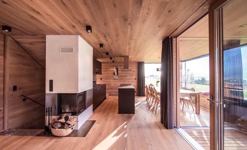 Ferienhaus Smaragdjuwel- Der moderne Wohnbereich bietet eine direkten Zugang zur Terrasse