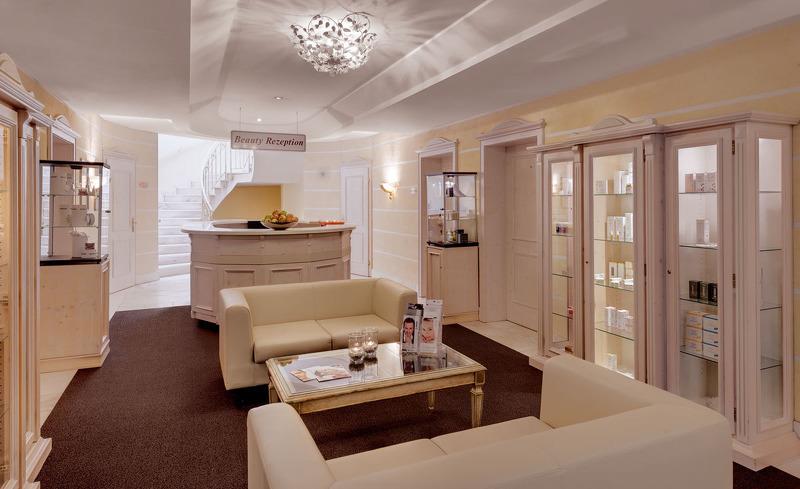 Das Hotel Almesberger besticht durch sein modernes und edles Interieur