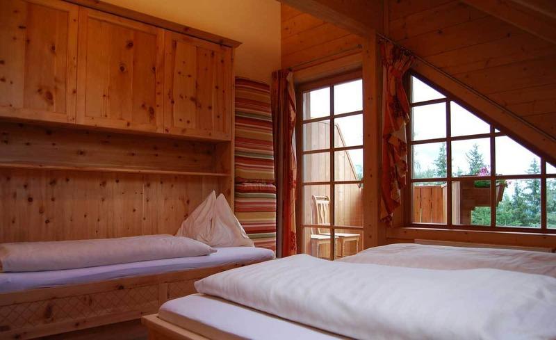 Zimmeraussicht auf den Dachstein - Urlaub auf der Alm