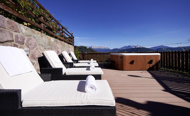 Atemberaubende Bergkulisse direkt in Ihrem Chalet mit Panoramalage in Oberbozen in Tirol