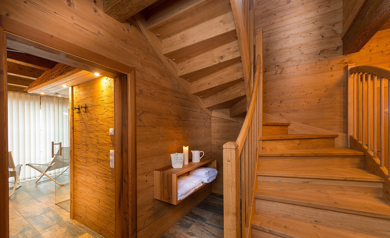Chalets Lehenriedl- Wellnessraum mit Salzstein-Sauna im Untergeschoss