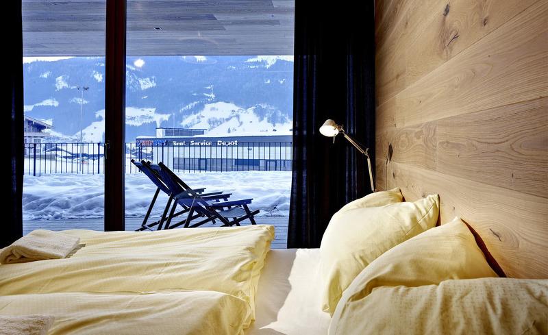 Schlafzimmer mit Zugang zur privaten Terrasse- Chalet Smaragdjuwel