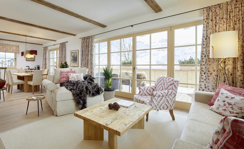 Tennerhof Luxury Chalets mit über 120m2 Wohnfläche mit Blick auf den Hahnenkamm