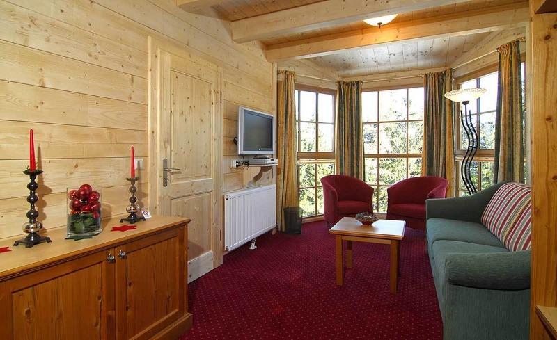 Finden Sie Ruhe und Entspannung in der großräumigen Edelweiss Suite