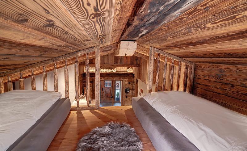 Erleben Sie exklusives Desgin kombiniert mit Tradition und Charme im Highking Chalet Grünegg in Dienten