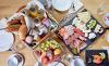 reichhaltiger Genussfrühstückskorb