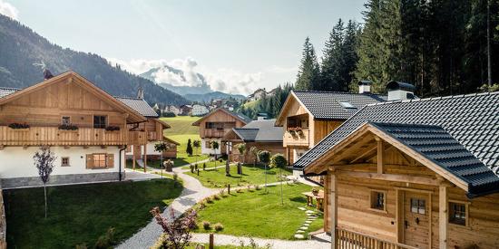 Sommerlicher Urlaubsgenuss im Almdorf Pradel Dolomites