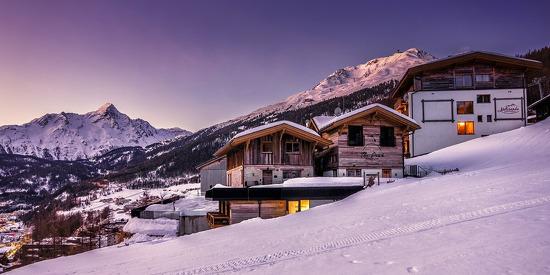winter-peak-chalets-2