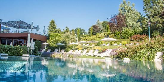 Außenbereich der Badelandschaft- © Hotel & Spa Der Steirerhof Bad Waltersdorf