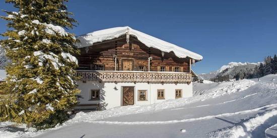 Das sanierte historische Bauernhaus bietet Platz für bis zu 12 Personen